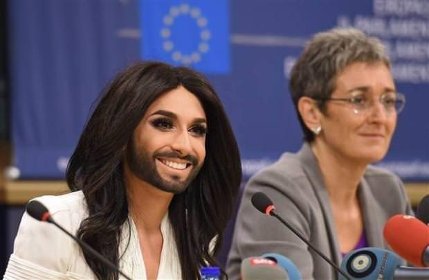 Avrupa Parlamentosu'nda Conchita Wurst coşkusu