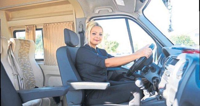 Kadın şoförler direksiyonda