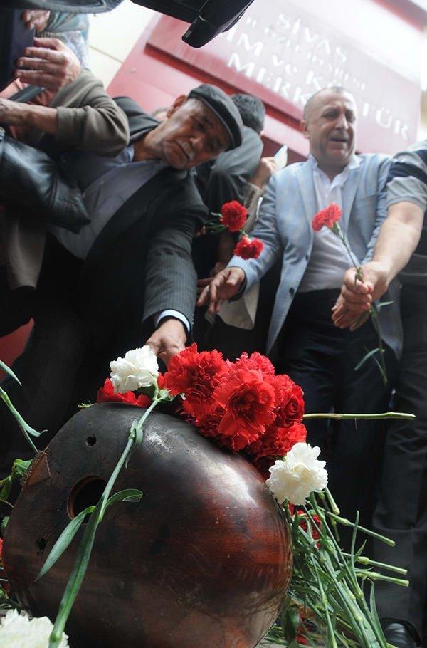 Sivas olaylarının 23. yıl dönümünde anma programı düzenlendi