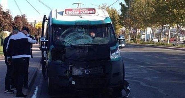 Konya'da minibüsün lise öğrencilerine çarpması