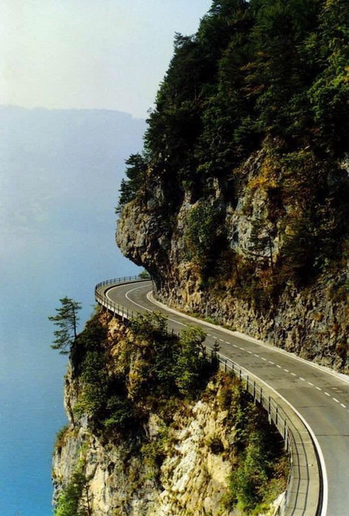 Dünyanın en güzel yolları