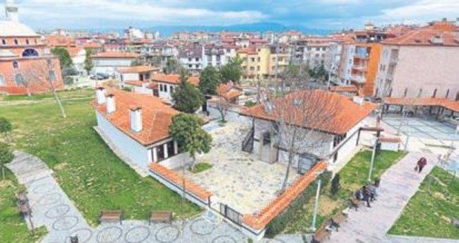 Büyükşehir tarihi sokakları yaşatıyor