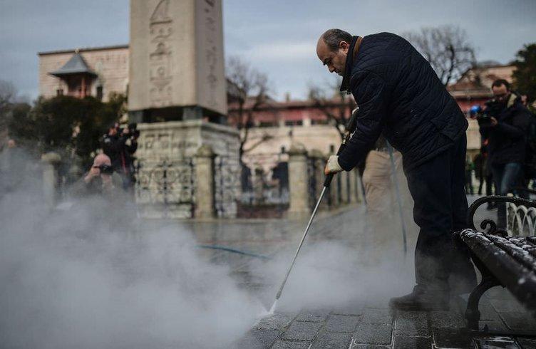 Sultanahmet Meydanı temizlendikten sonra vatandaşlara açıldı!