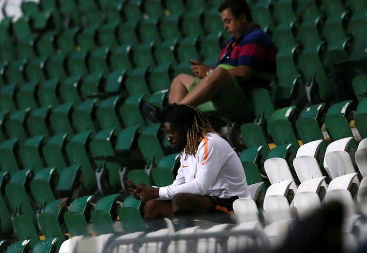 Galatasaray'da Cavanda kadro dışı bırakıldı!