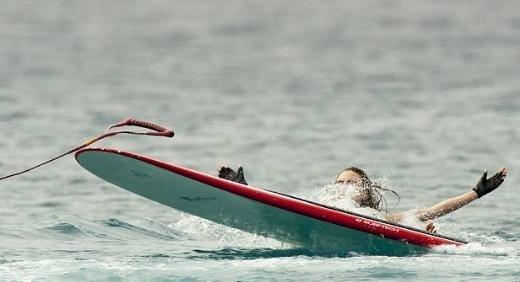 Denize düşünce frikik vermekten kurtulamadı