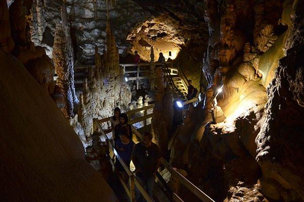 Karaca Mağarası turistlerin uğrak yeri oldu