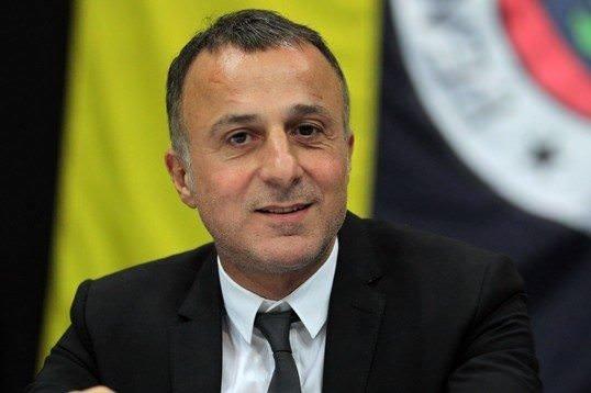 Fenerbahçe yöneticisinden Galatasaray'a taş