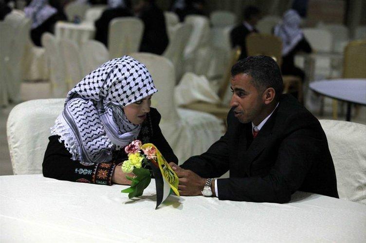Gazze'de toplu nikah