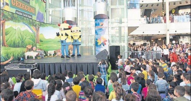Çocuklar Minyonya Gezegeni ile eğlendi