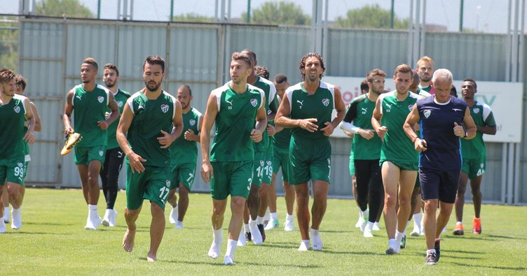Bursaspor'da yeni transferler sahaya indi