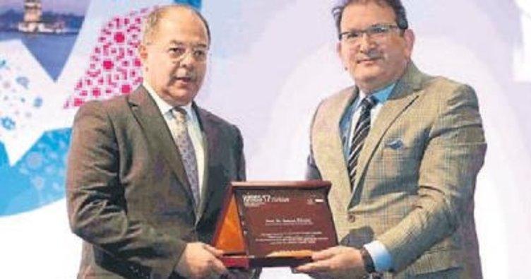 Bakan'dan İzmir'e birincilik ödülü