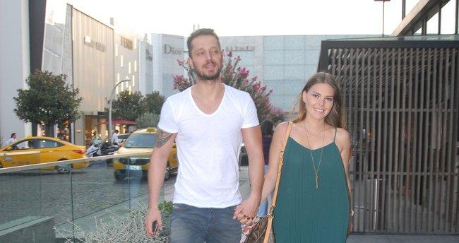 Aslı Enver aşkı Murat Boz'a yaramadı