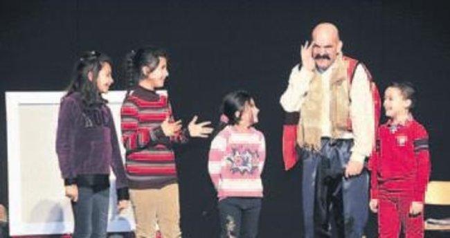 Sezon 'Çocuklara Masallar' ile açıldı