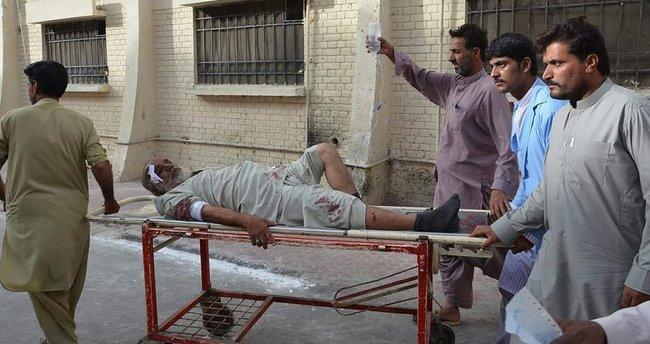 Pakistan'da intihar saldırısı: 16 kişi öldü!
