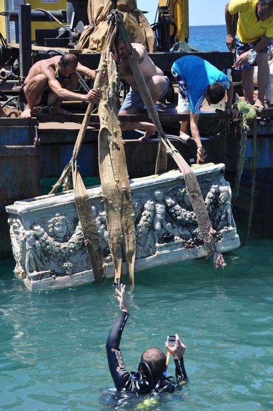 Denizden Roma dönemine ait lahit çıkartıldı