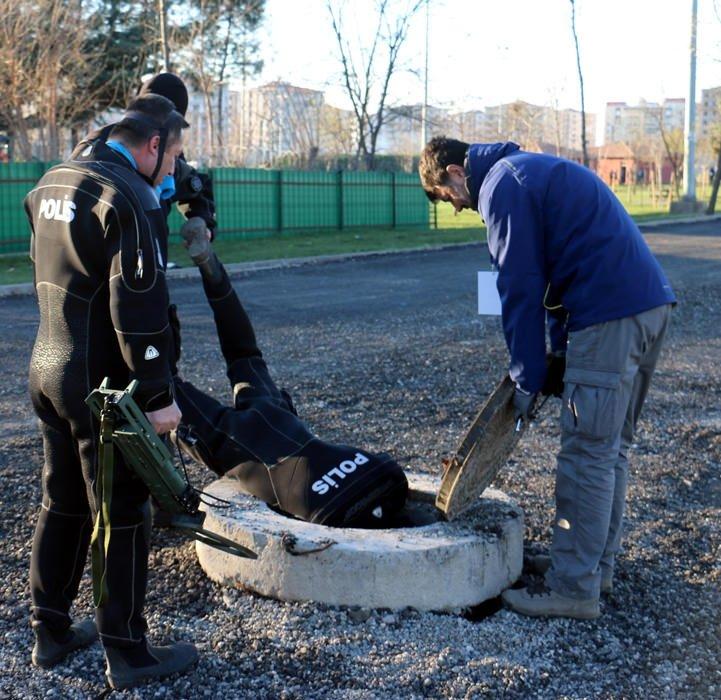 Dalgıç polisler nevruz alanının kanalizasyonunda bomba aramış
