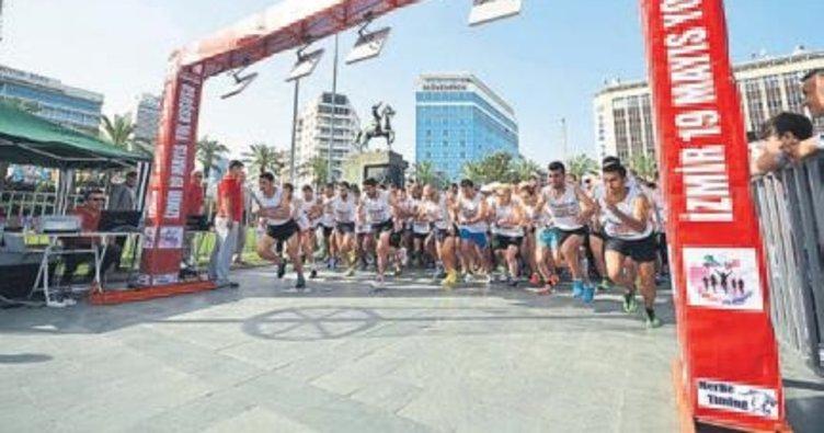 Binlerce İzmirli Ata'sı için koşacak