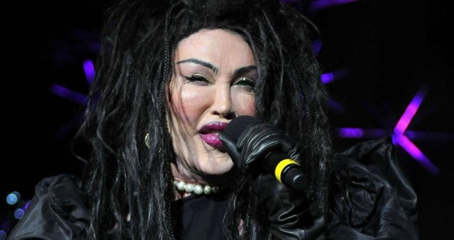 Ünlü şarkıcı Pete Burns hayatını kaybetti