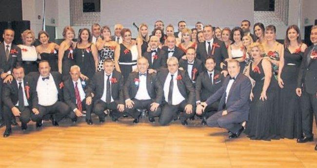 57 yıllık eğitim kurumu mezunlarının neşeli günü