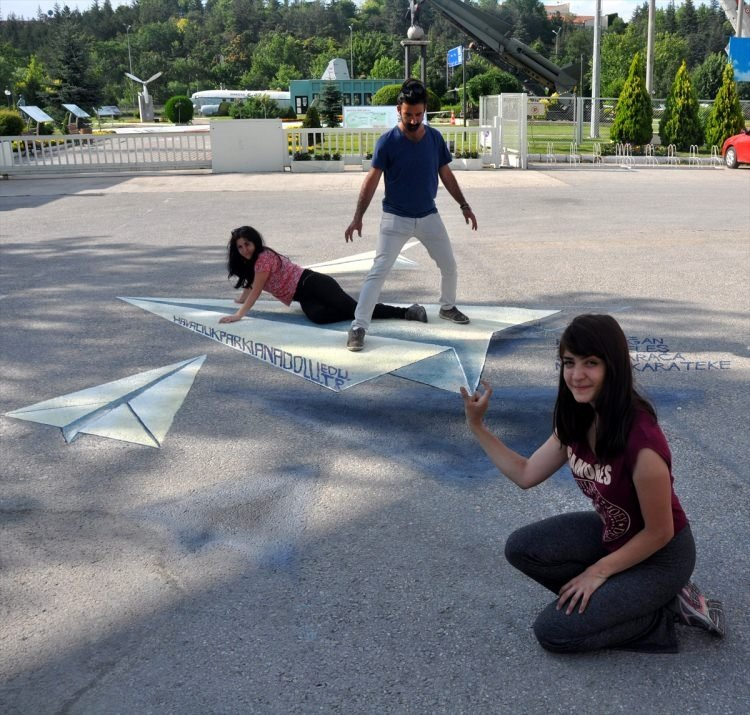 Eskişehirli öğrencilerden 3 boyutlu uçak
