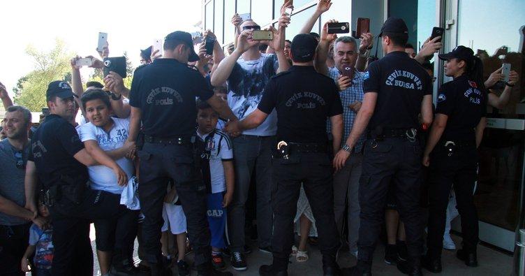 Beşiktaş kafilesi geniş güvenlik önlemleri altında Bursa'ya geldi