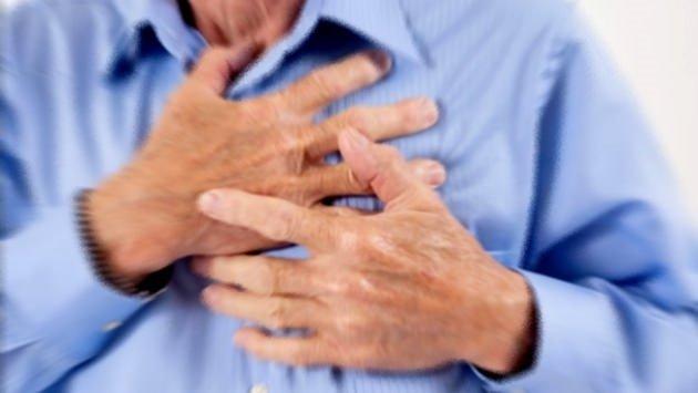 İftarda yağlı yemek kalp krizi riskini artıyor