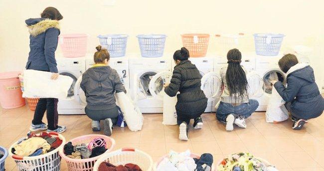 Öğrencilerin giysileri ücretsiz temizleniyor