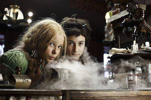 Vampir Kız Kardeşler filminden kareler