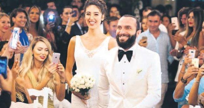 Beklenen düğün