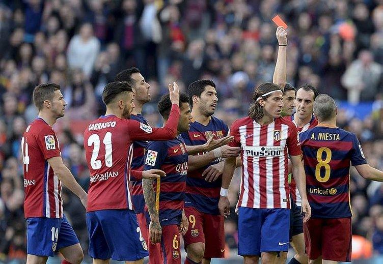 Arda Turan öyle bir gol kaçırdı ki...