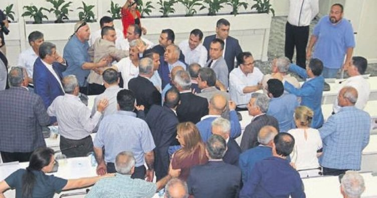 Mecliste 'Kuş Cenneti' kavgası