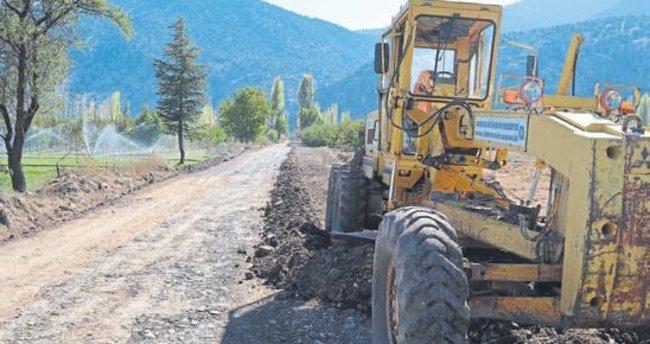 Grup yollarında asfalt hazırlığı