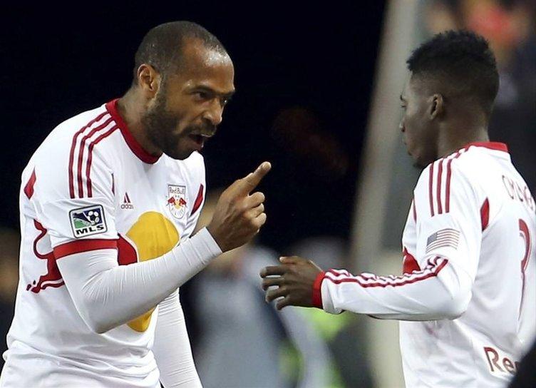 Efsaneden futbolu bırakma kararı