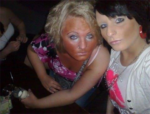 Makyajın fena abartılar!