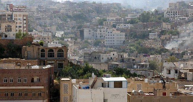 Taiz'de Husiler sivil yerleşim yerlerine saldırdı