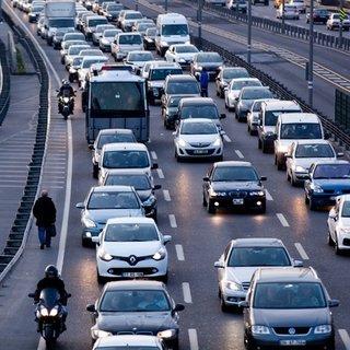 Sürücüler dikkat bunu yapan araç trafikten men edilecek