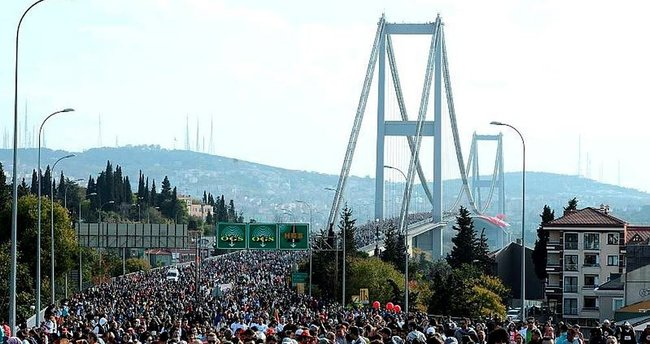 Vodafone 38. İstanbul Maratonu'nda şehitler için koşuldu