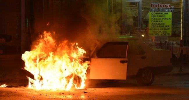 Konya'da seyir halindeki otomobil yandı!