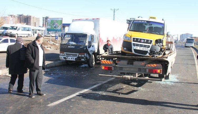 Diyarbakır'da 50 araç birbirine girdi