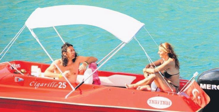 Taylan Kümeli ve  oyuncu eşi Gökhan Arsoy aşk tazeledi