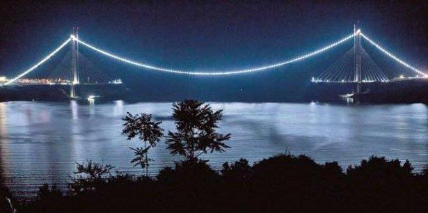 Yavuz Sultan Selim Köprüsü ışıklandırıldı