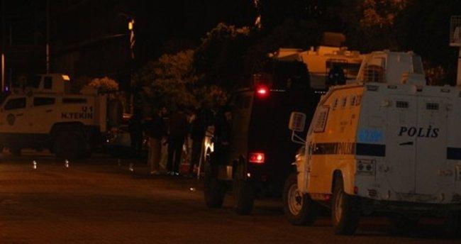 AK Parti ilçe binasına saldırıya 9 gözaltı