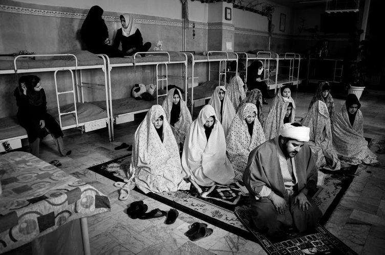İranlı kadın mahkumlar görüntülendi