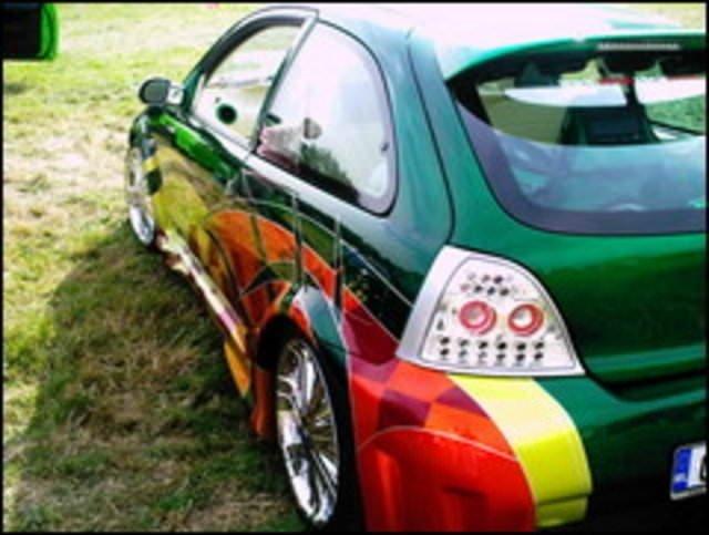 Göz kamaştırıcı modifiye otomobiller