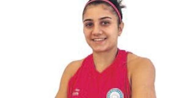 Merve Aydın Girne Üniversitesi'nde...