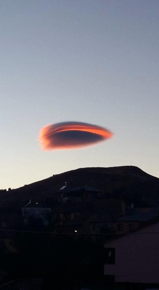 Tunceli'de gökyüzüne bakanlar şaşkına döndü