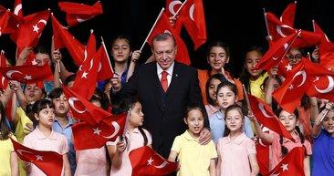 Cumhurbaşkanı çocuklarla bir araya geldi
