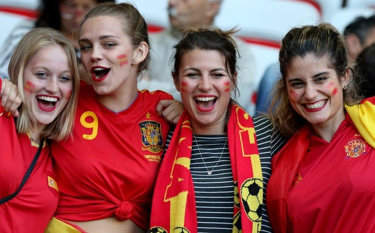 İspanya maçı öncesi renkli kareler
