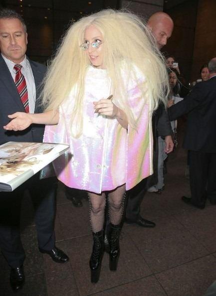 Ünlülerin skandal kıyafetleri
