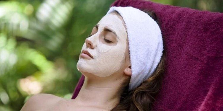 Kuru ciltlere özel nem maskesi